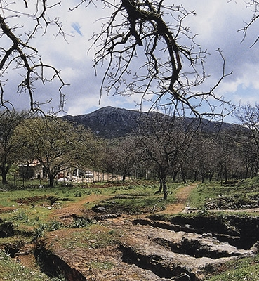 LM III Mortuary Practices in West Crete: the Cemeteries of Maroulas and Armenoi at Rethymno