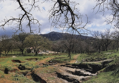 LM III Mortuary Practices in West Crete: the Cemeteries of Maroulas and Armenoi at Rethymnon